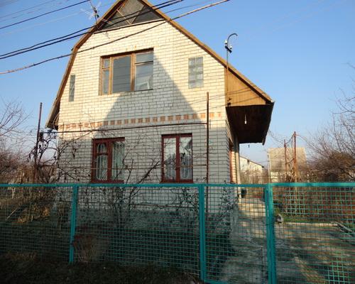 http://1domdnepr.at.ua/publ/dachi/kirpichnaja_dacha_v_podgorodnem/2-1-0-427