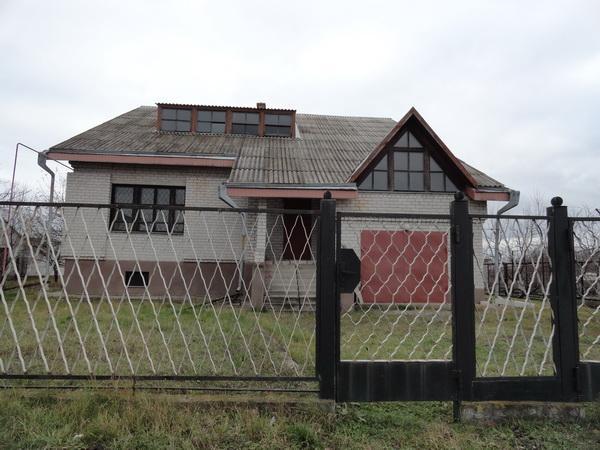 http://1domdnepr.at.ua/publ/doma/novostorj_v_podgorodnem_dom_v_podgorodnoe/1-1-0-434
